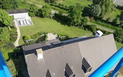 Joni Bergmans  - Sfeerbeelden - Ontmossen van daken